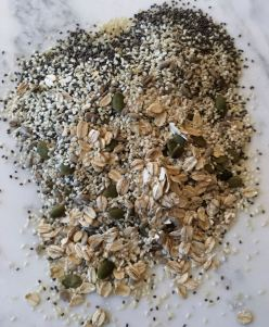 seedy-cracker-ingredients-